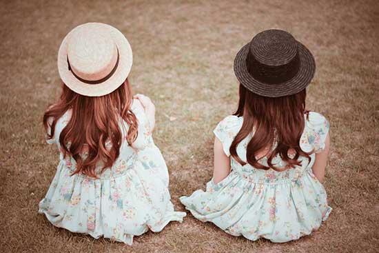 ガーリーなサイトにぴったり!女の子による女の子な写真素材サイト「GIRLY DROP」