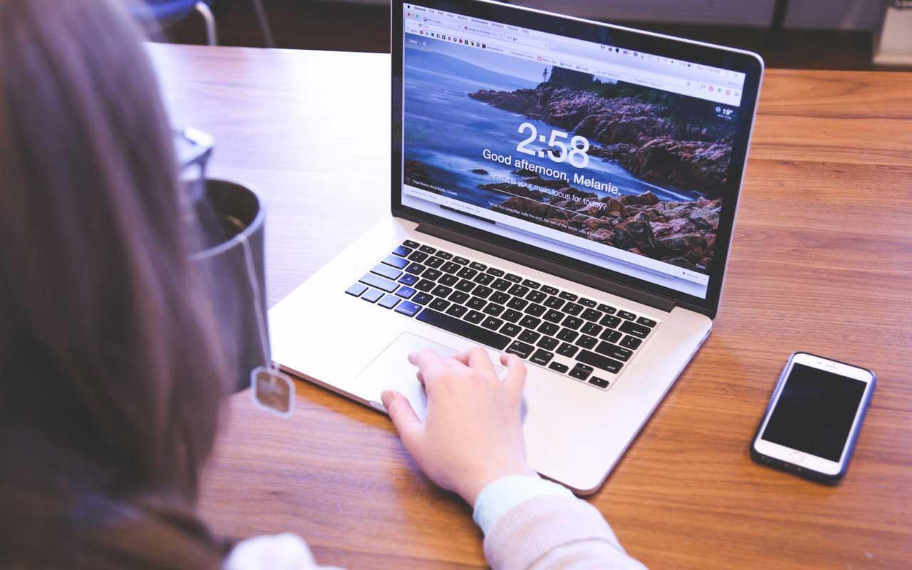 WordPressサイトでbodyにブラウザ名のクラスを追加する方法