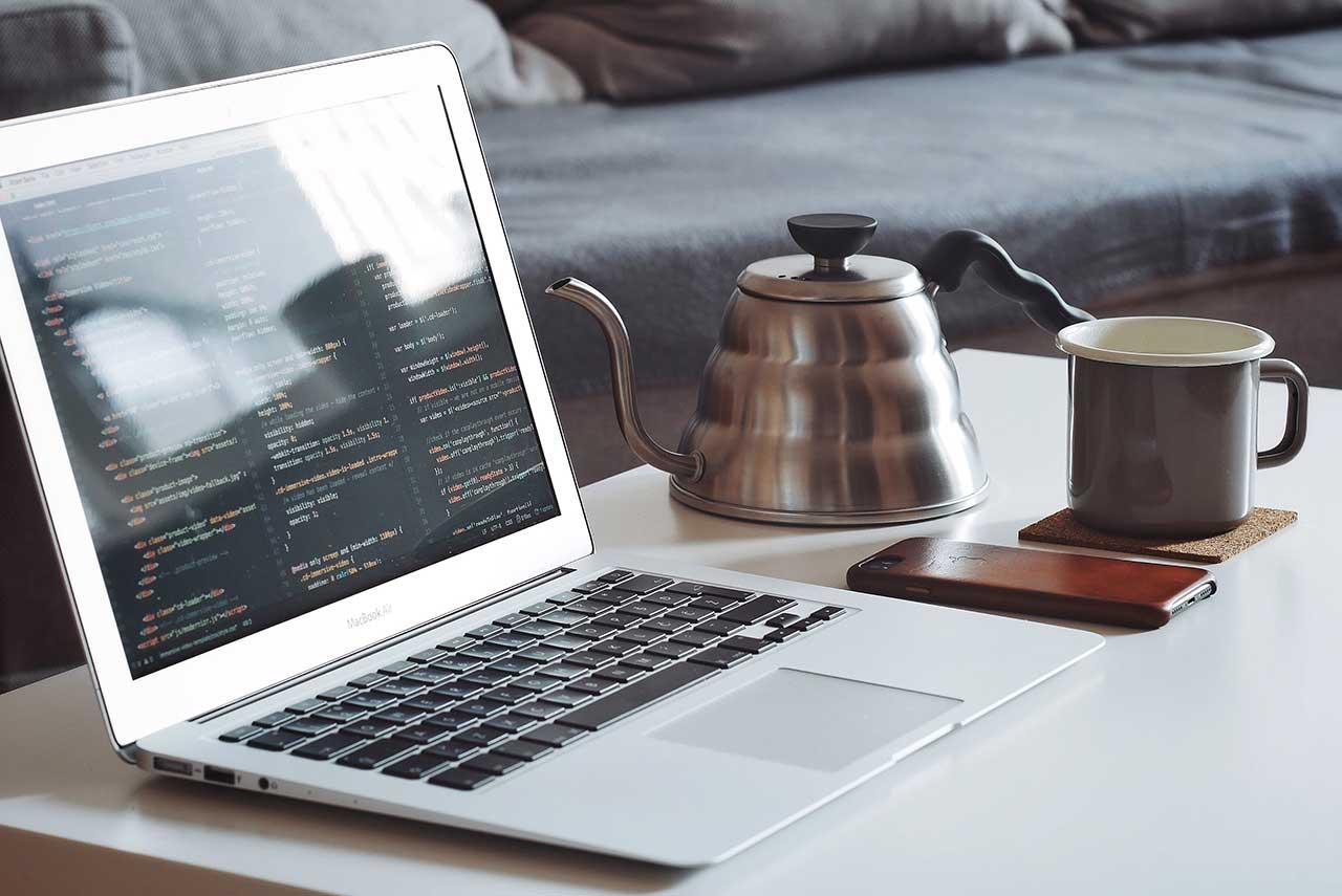 ほぼコピペでOK!PHPとjQueryを使って外部サイトのRSSフィードを取得・表示する方法