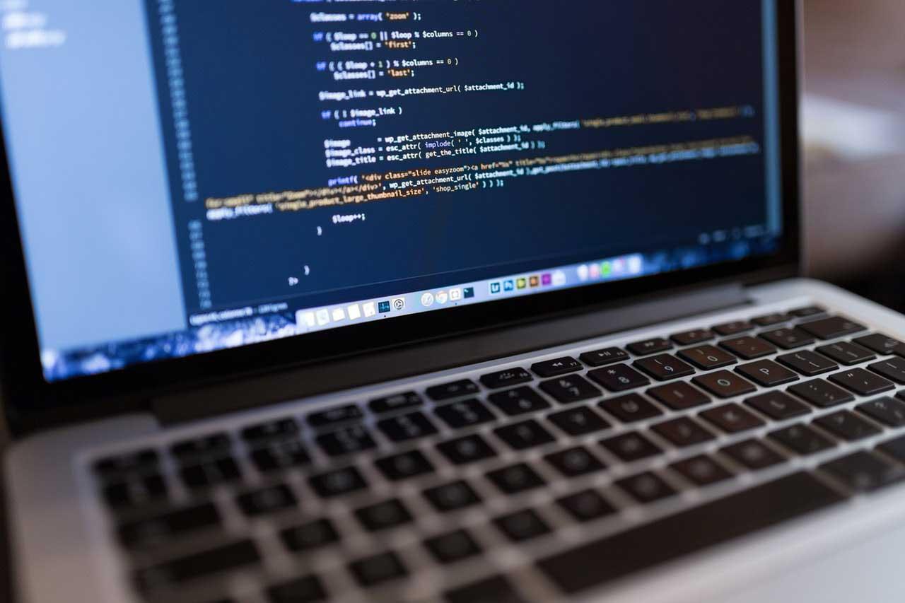 WordPressで記事一覧のループの回数をカウントして記事数によって処理を変える方法