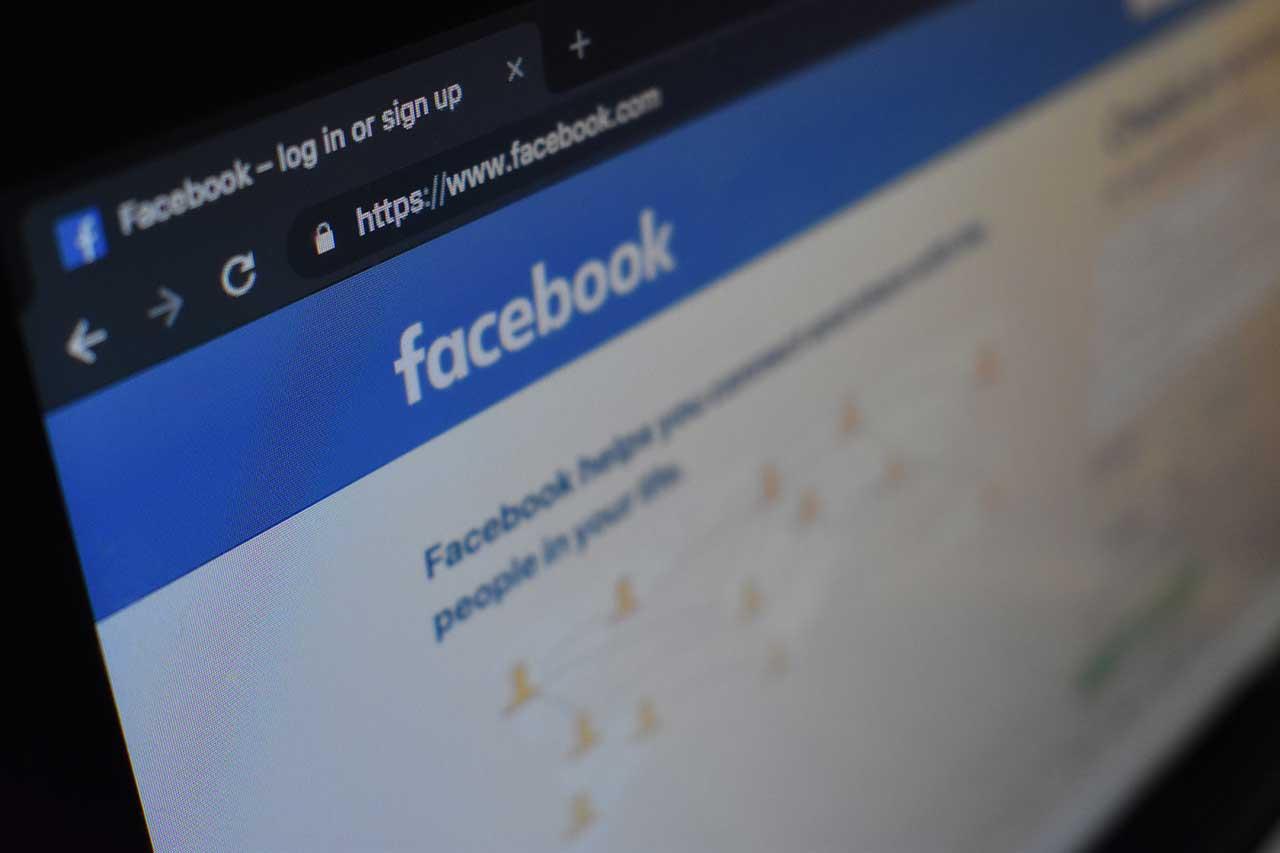 Facebookでシェア数を取得する際に使用するアクセストークンの取得方法