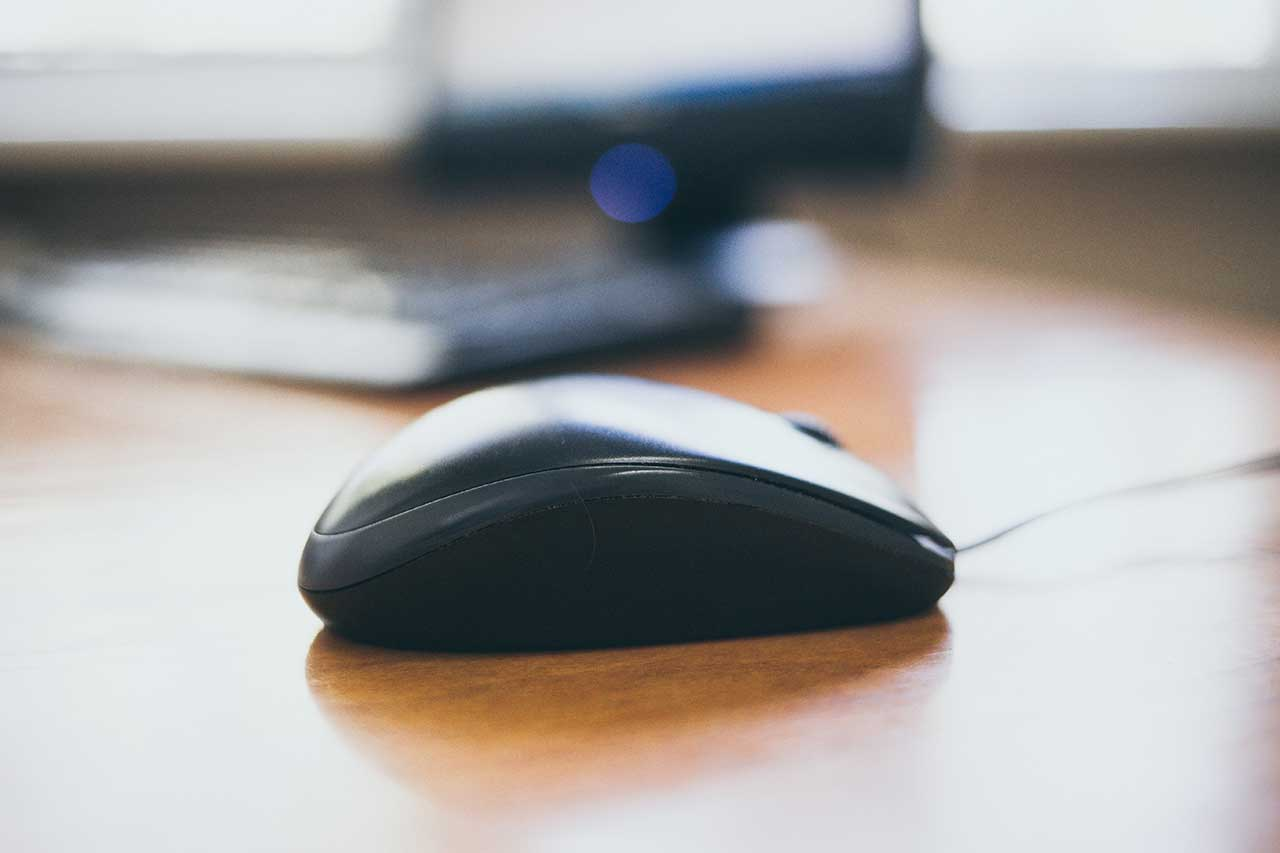 Visual Studio Code(VSCode)のマウスホバーで表示されるヒントを無効化する方法