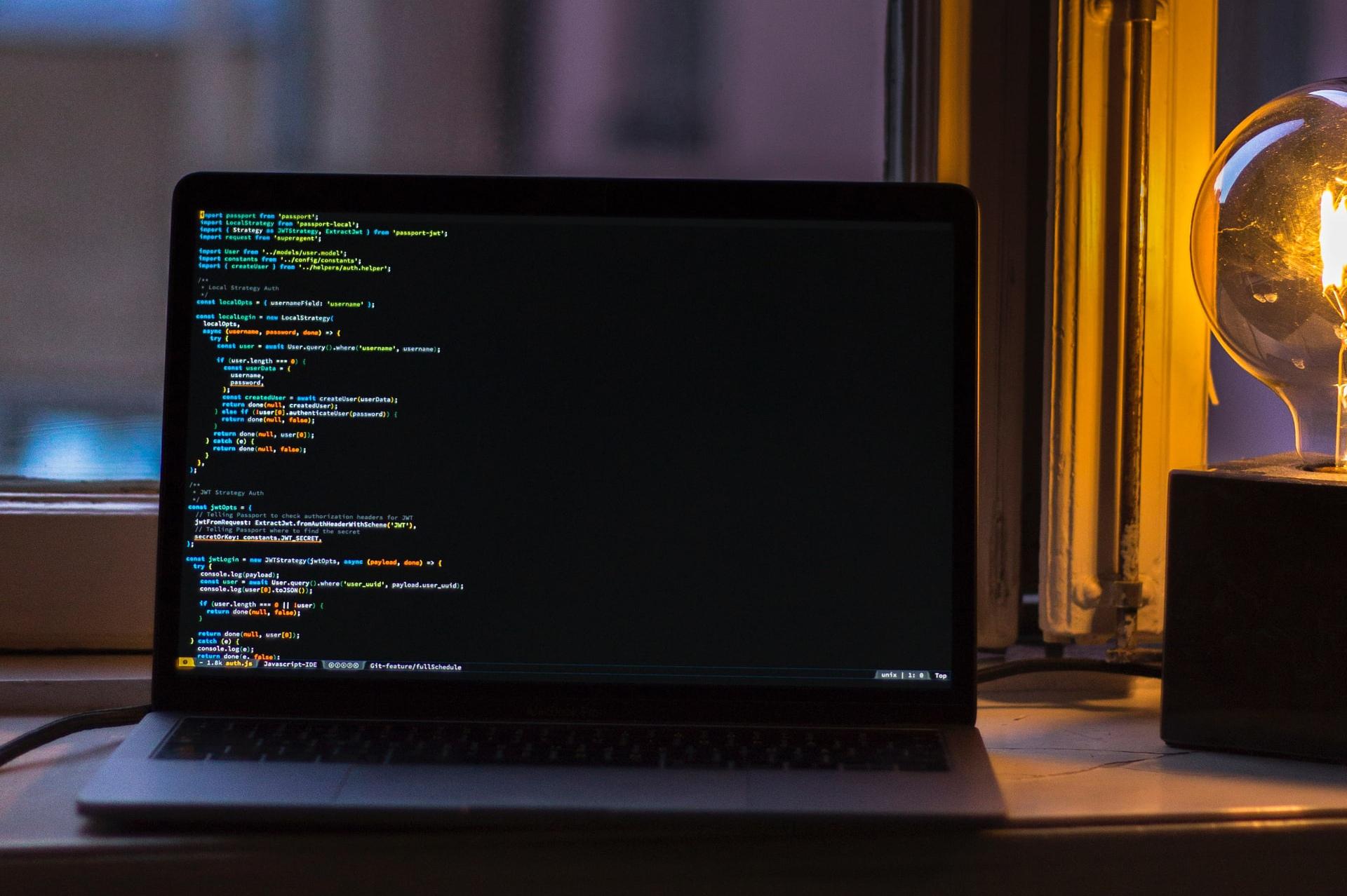 JavaScriptで変数内に特定の文字列が含まれるかどうかを調べる方法
